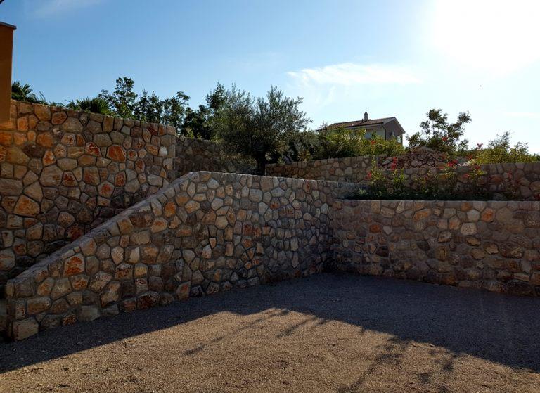 izgradnja_zida_prirodni_dekorativni_kamen